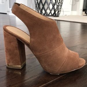 Never worn MIchael Kors tan peep toe heels